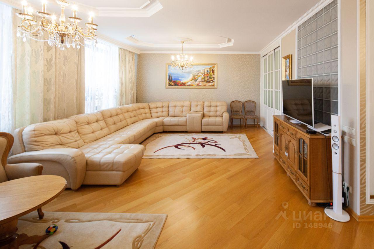 Продаю пятикомнатную квартиру 433 м² Москва СЗАО Родионовская улица 2К1